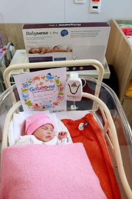 Novorodencom vo zvolenskej nemocnici darovali monitory dychu