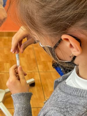 Zvolenská nemocnica otestovala 1500 žiakov základných a materských škôl vo Zvolene šetrnými testami PCR zo slín